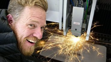 This-laser-cuts-through-2-inch-thick-STEEL-1